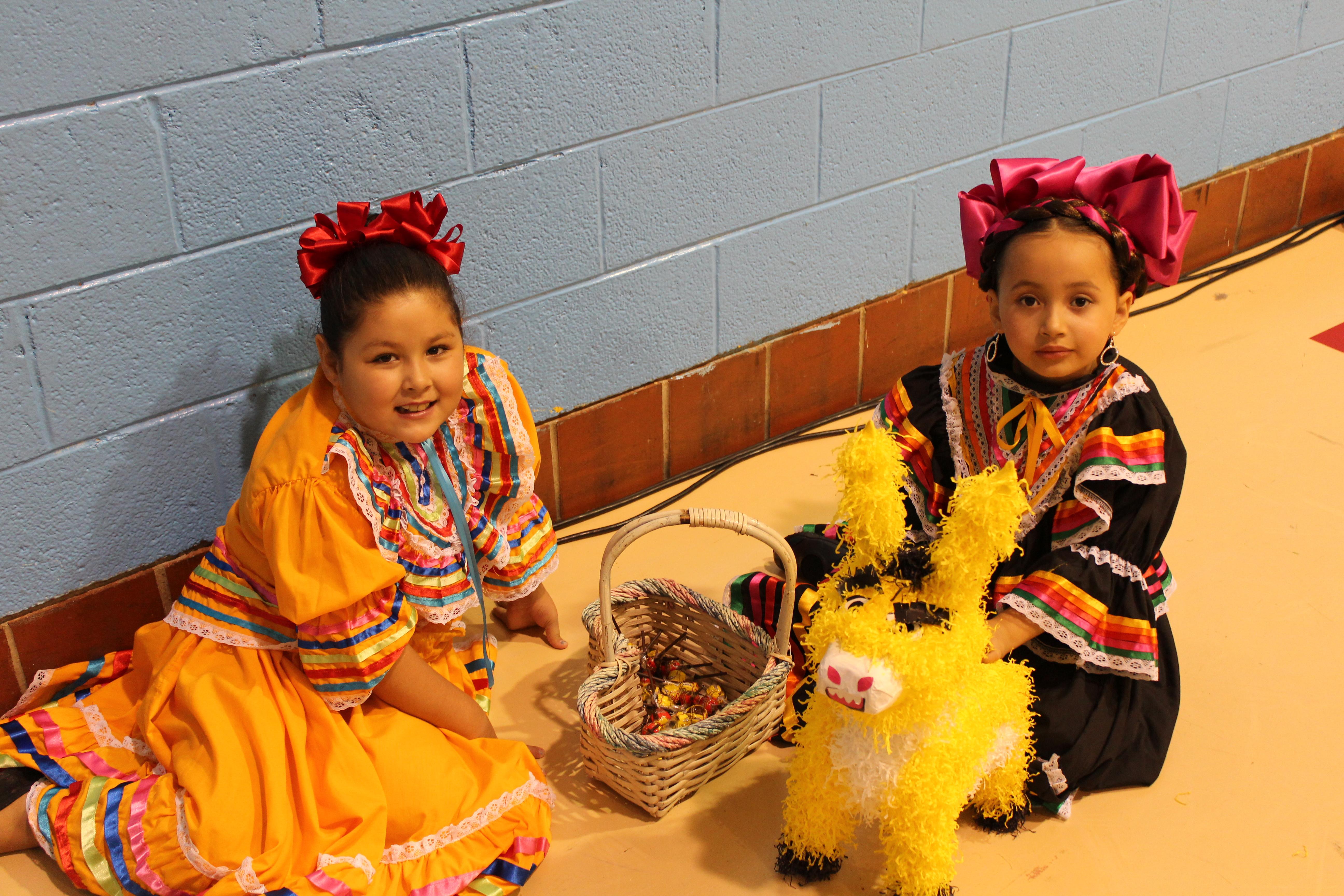 Girls costume pinata
